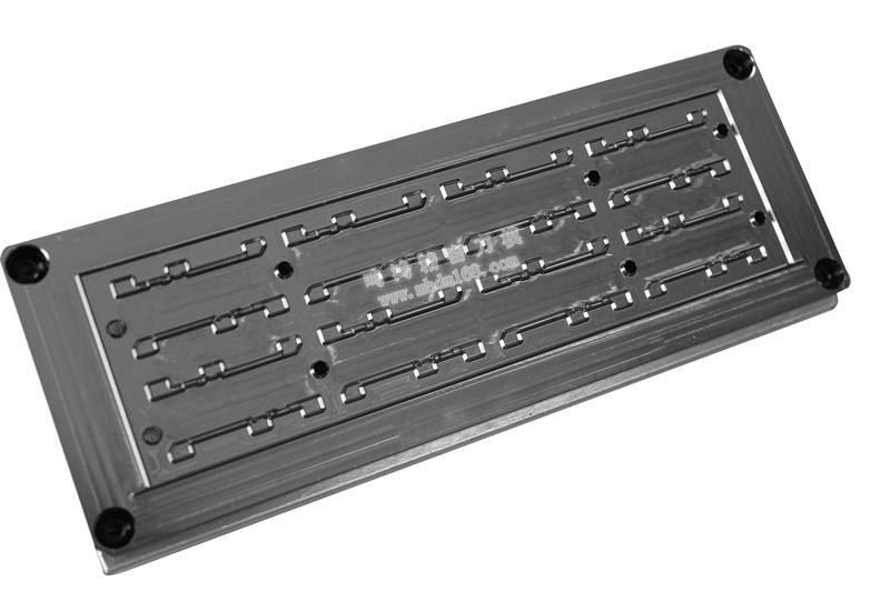 自动排废雕刻刀模MH320434