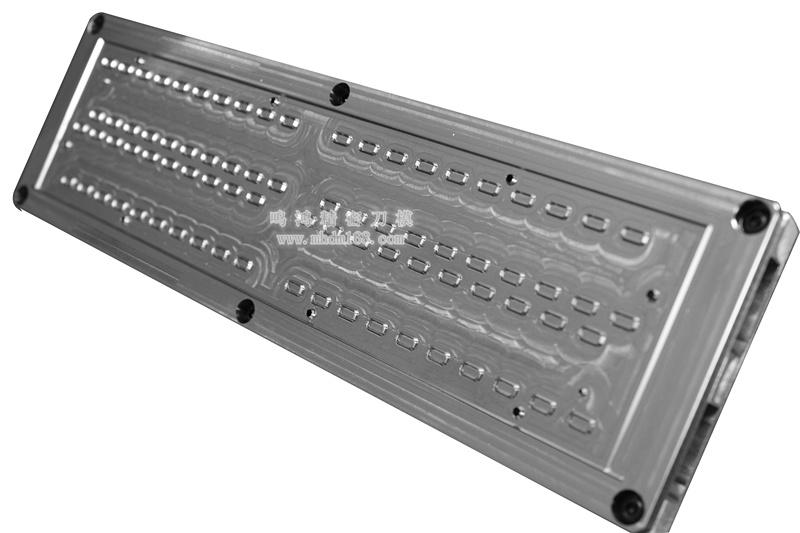 自动排废雕刻刀模MH320438